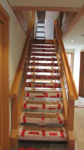 Stairs/Handrail