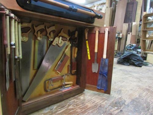 Work bench/ Saw storage