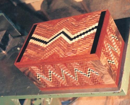 Zig Zag Box